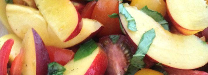 Beitragsbild zum Rezept Tomaten-Pfirsich-Salat